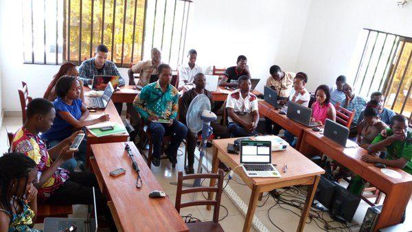 Lors de l'atelier #UX à Solidar'IT : Principes de conception centrée utilisateur. Speaker Roland HOUNGBADJI