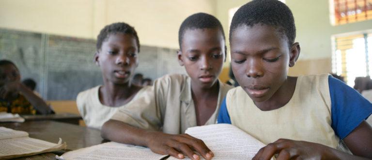 Article : Keoubougou Pi : Un programme après l'école pour développer la littératie numérique des jeunes écoliers du nord Bénin